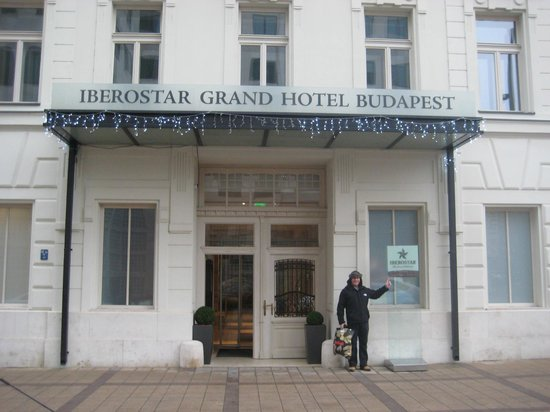 Iberostar Grand Hotel Budapest: Front of hotel