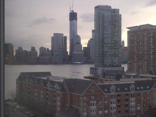 The Westin Jersey City Newport: Awesome View from my 10th Floor Room on the even numbered side.