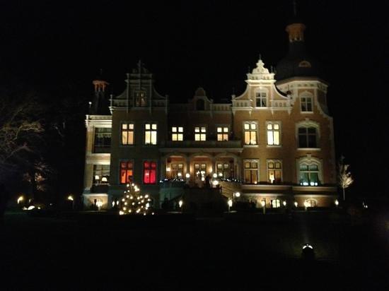 Villa am Bernsteinsee: Villa bei Nacht