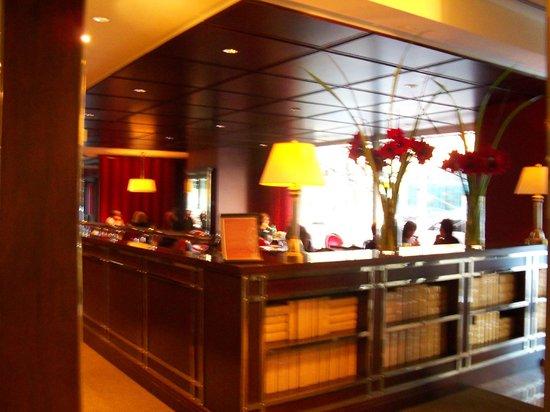 Sheraton Le Centre Montreal Hotel: Restaurant