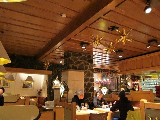 Restaurant Kreuz & Post: Front dining room