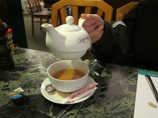 Cafe Runft : My wife's black tea cozy