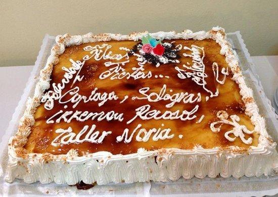 Una tarta especial hecha por la ocasi n fotograf a de hotel restaurante catalan puerto real - Hotel catalan puerto real ...