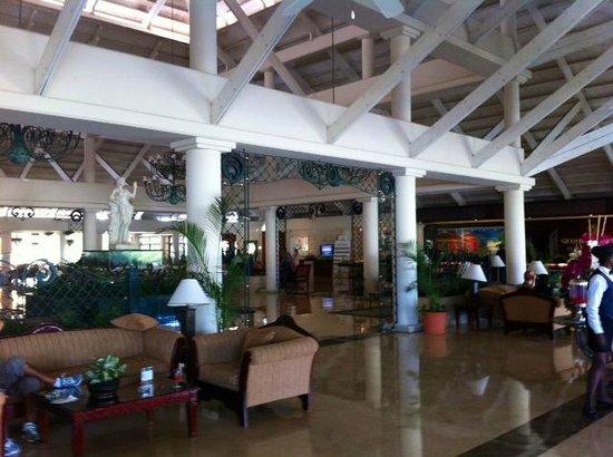 Grand Bahia Principe La Romana: Lobby