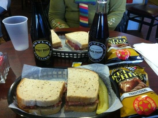 Rochester Deli: Corned beef, soda and chips a perfect lunch