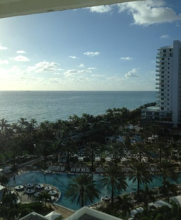 Fontainebleau Miami Beach : Vista do Quarto na Chateau Tower