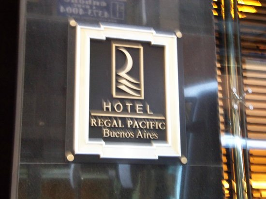 Regal Pacific Hotel Buenos Aires: Hotel entrance