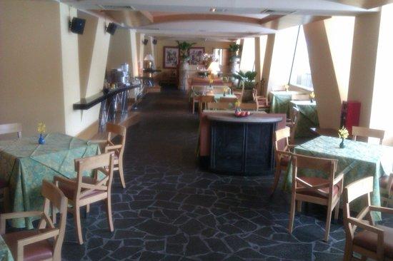 Conrad Centennial Singapore: Exclusive dining corner for executive floor guests