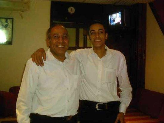 7 Days 7 Ways Restaurant & Royal Oak Pub : Mena & Gamal