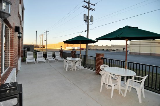 Country Inn & Suites By Carlson, Conway: Patio