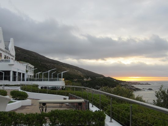 The Twelve Apostles Hotel and Spa: view from our room of the restaurant terrace