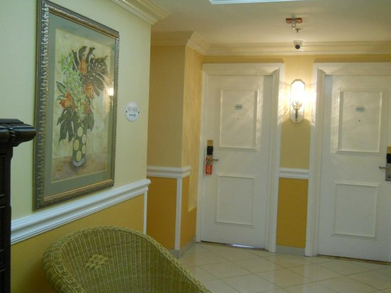 The Courtleigh Hotel and Suites : floor area 9th