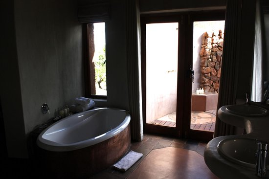 Madikwe Safari Lodge: room