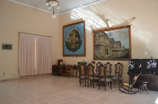 Casa Don Alfredo: The front room