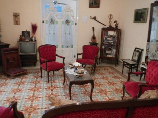 Casa Don Alfredo: The sitting room where Carlos's Great Aunts paintings are