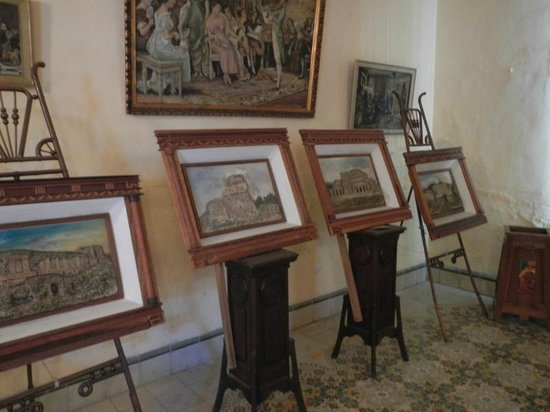 Casa Don Alfredo: Paintings done by Carlos's Great Aunt!