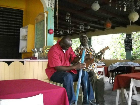 North Shore Shell Museum Bar & Restaurant : Manningham Calwood and Egberth Donovan, proprietor leading the Funghi Band