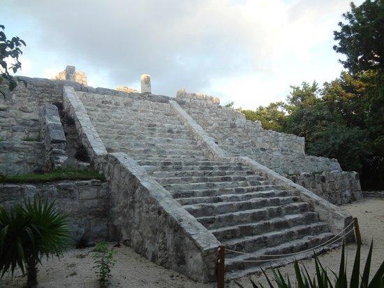 Museo Maya de Cancun: Pirámide