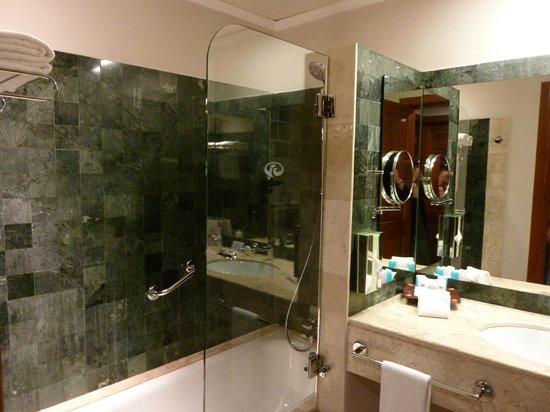 Grand Palladium Kantenah Resort & Spa: Salle de bain