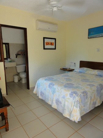 Hotel Xibalba: pretty room