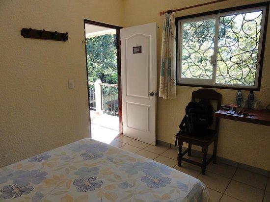 Hotel Xibalba: has a sunny little balcony