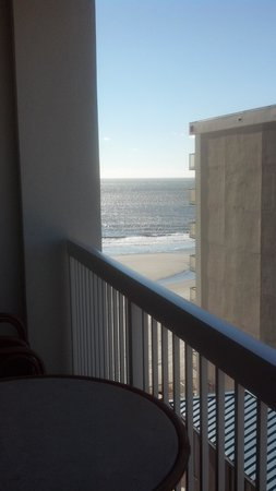 Westgate Myrtle Beach Oceanfront Resort: view if you hang over balcony