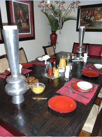 Duikerfontein Bed and Breakfast : Breakfast table