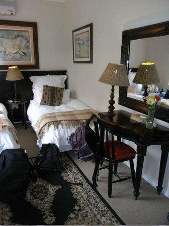 Duikerfontein Bed and Breakfast: Bedroom with twin beds