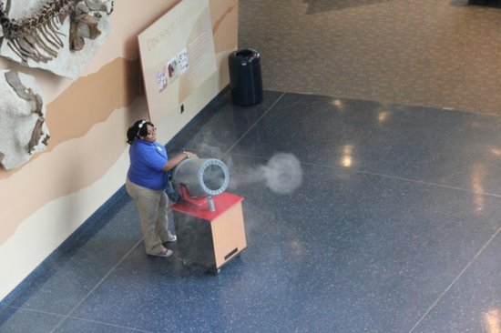 Maryland Science Center: The Smoke Ring Cannon