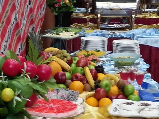 Royal Hotel & Suites: Fruits