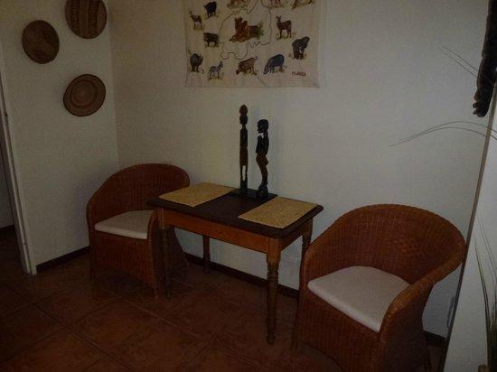KhashaMongo Guesthouse: Wohn-/ Schlafraum