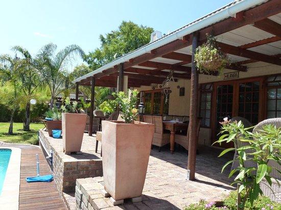 KhashaMongo Guesthouse: Terasse