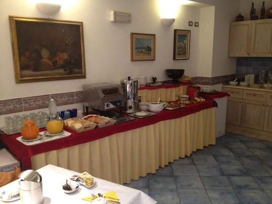 Hotel Punta Mesco: Breakfast is very nice and great expresso too