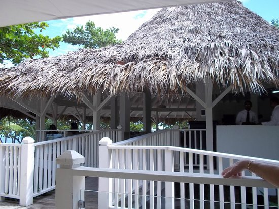 VH Gran Ventana Beach Resort: beach bar