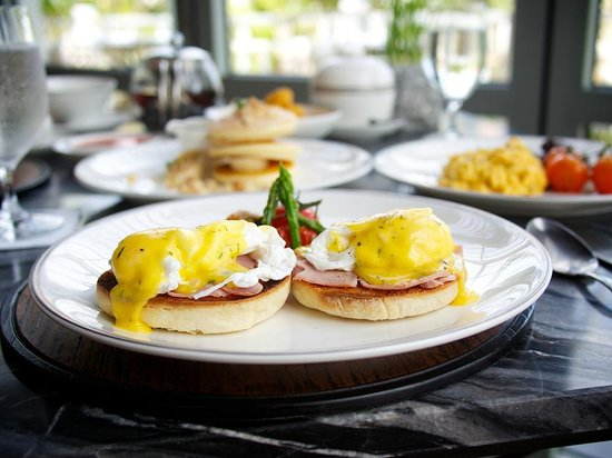 Amatara Wellness Resort: Best Eggs Benedict in Phuket