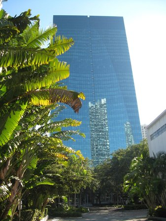 Conrad Miami: View from adjacent downtown park, of Conrad.