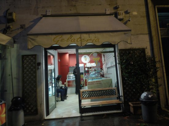 Il Gelato Fantasia : View from outside