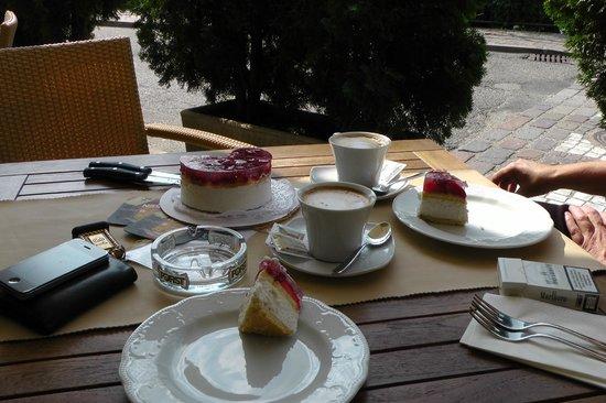 Hotel zur Sonne: Geburtstagskuchen für meine Frau
