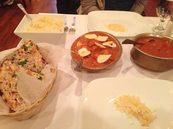 Bhoj Indian Restaurant: best food ever!