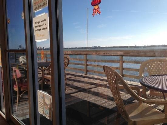 Maggie Mae's Sunrise Cafe : the terrace!