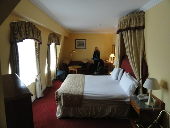 Grafton Capital Hotel: Our Room on 5th Floor
