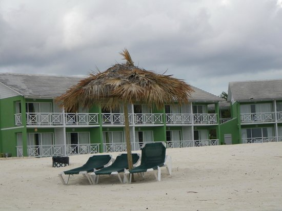Viva Wyndham Fortuna Beach: One of the buildings with beach view