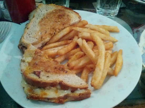 Alice's Tea Cup: Chicken & Gruyere Sandwich