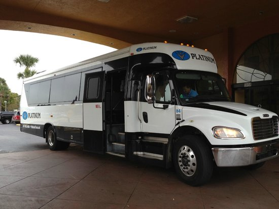 Days Inn Orlando International Drive South of Universal: shuttle bus