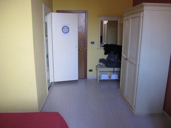 Hotel Benvenuti: Room