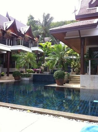 Baan Yin Dee Boutique Resort: lower pool 