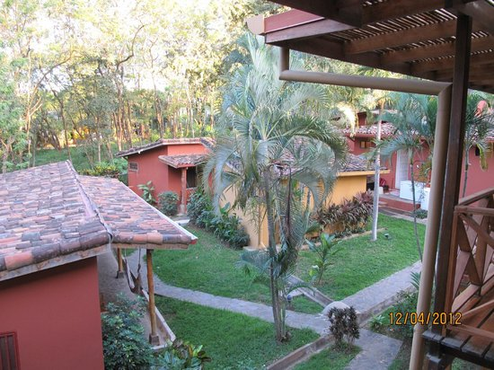 Hotel Arco Iris: Bungalow's view from our suite in lodge