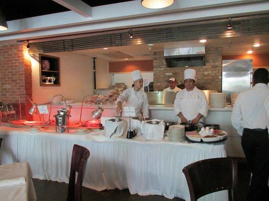 Calamari : Omelette Station