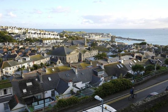 Little Leaf Guest House: St Ives City