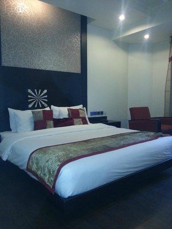 Hotel Godwin Deluxe: NOTRE CHAMBRE